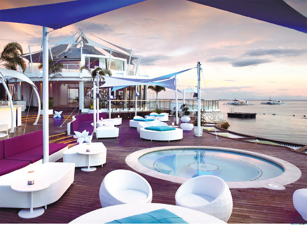 Ibiza Beach Club - Best Outdoor Dining Experience